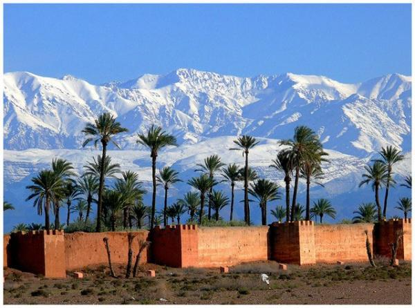 Car rental in Marrakech 4x4, minibus and airport transfer.